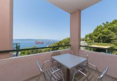 (2) Two bedroom apartment / sea view